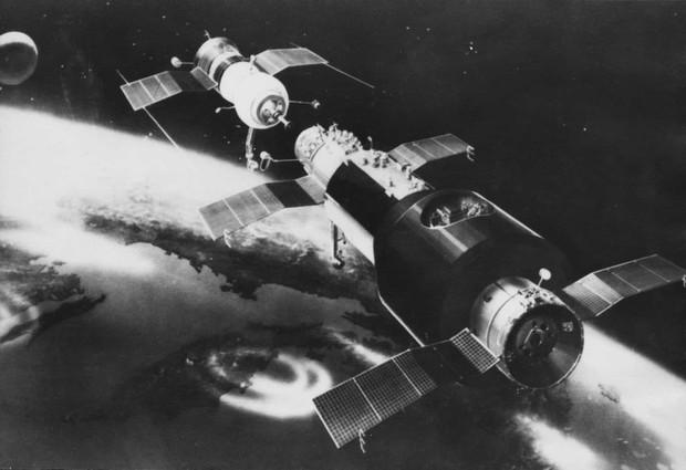 Những sự cố đáng tiếc của các cuộc du hành vũ trụ trong lịch sử - Ảnh 9.