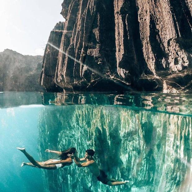 """""""Rớt tim"""" với clip đáng sợ nhất Internet ngày hôm nay: bơi trong lòng hồ sâu 40 mét, cảnh báo không dành cho người... sợ độ cao - Ảnh 10."""