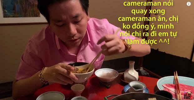 Phụ nữ Nhật quỳ gối và khóc... - Khoa Pug lại gây bão MXH với video bị ném đá vì không tôn trọng phụ nữ? - Ảnh 4.