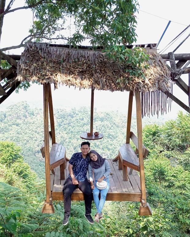 Độc nhất Indonesia quán cafe lửng lơ trên cây không dành cho hội yếu tim, dân mạng đua nhau check-in ầm ầm trên Instagram - Ảnh 2.