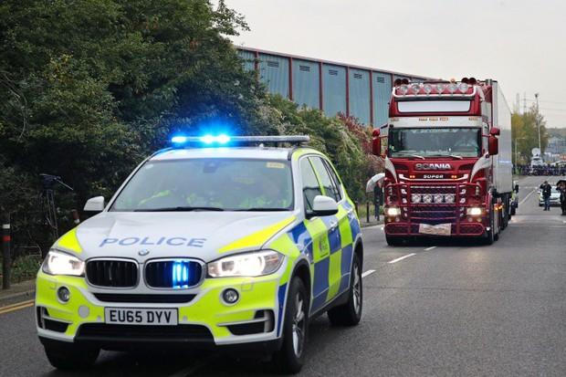 Cảnh sát Anh cho rằng các nạn nhân trong vụ 39 thi thể trên xe container là người Việt Nam - Ảnh 1.