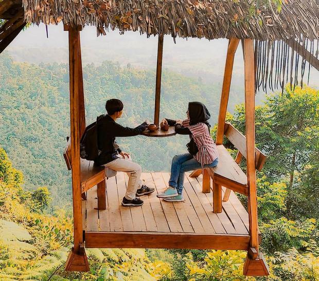 Độc nhất Indonesia quán cafe lửng lơ trên cây không dành cho hội yếu tim, dân mạng đua nhau check-in ầm ầm trên Instagram - Ảnh 14.