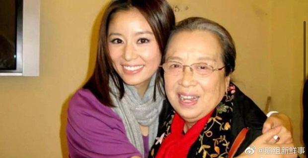 Lâm Tâm Như vui mừng tột độ khi bất ngờ gặp Dung Ma Ma, gợi nhớ cảnh kim đâm kinh điển 20 năm trước - Ảnh 6.
