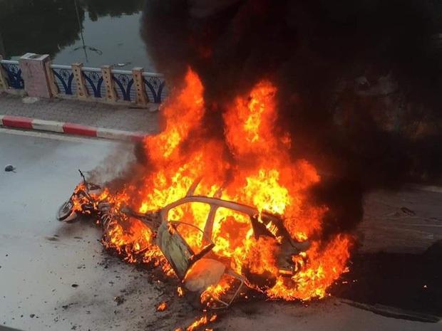Nữ tài xê lái xe ô tô Mercedes GLC 250 gây tai nạn liên hoàn rồi bốc cháy đã ra công an trình diện - Ảnh 1.