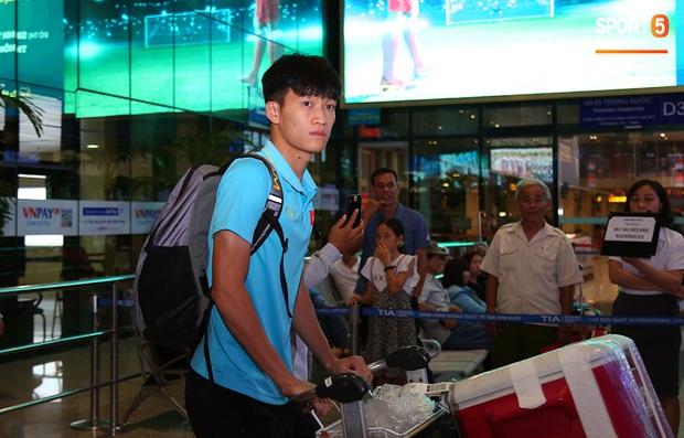 Thầy Park và hàng loạt trụ cột trễ chuyến bay, ảnh hưởng tới kế hoạch tập luyện chuẩn bị cho SEA Games 2019 - Ảnh 10.