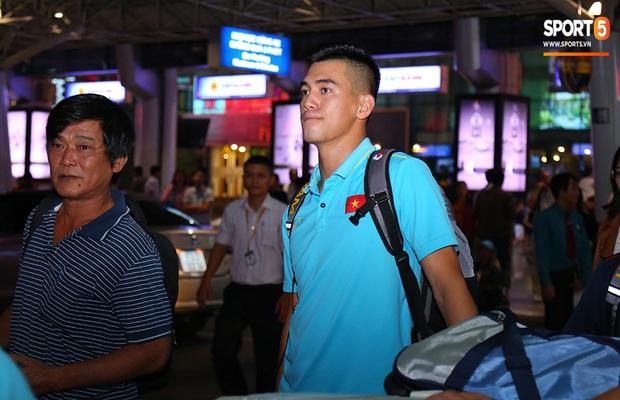 Thầy Park và hàng loạt trụ cột trễ chuyến bay, ảnh hưởng tới kế hoạch tập luyện chuẩn bị cho SEA Games 2019 - Ảnh 9.