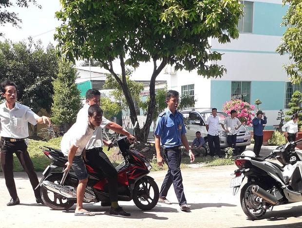 Gần 120 học viên cai nghiện trốn trại, tràn ra đường cao tốc TP.HCM - Trung Lương - Ảnh 1.