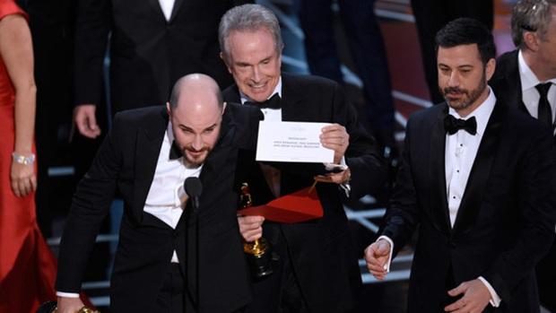 5 cái tên có duyên không phận với Oscar những năm gần đây: Nhọ như La La Land tượng vàng trao tay còn bị giật lại! - Ảnh 9.