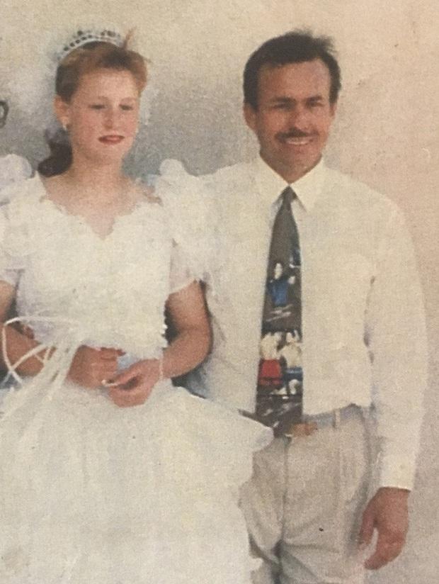 Bị cha dượng bắt cóc và ép kết hôn khi mới 11 tuổi, người phụ nữ phải sống trong 19 năm với nỗi ám ảnh kinh hoàng cùng 9 đứa con - Ảnh 2.