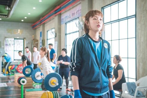 4 ngôi trường trong mơ chỉ có trong phim Hàn: Chủ yếu là tràn bờ đê trai đẹp từ thầy cho đến học sinh! - Ảnh 1.