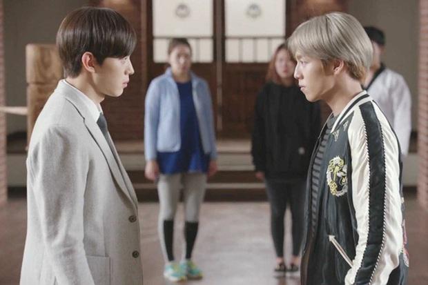 4 ngôi trường trong mơ chỉ có trong phim Hàn: Chủ yếu là tràn bờ đê trai đẹp từ thầy cho đến học sinh! - Ảnh 11.