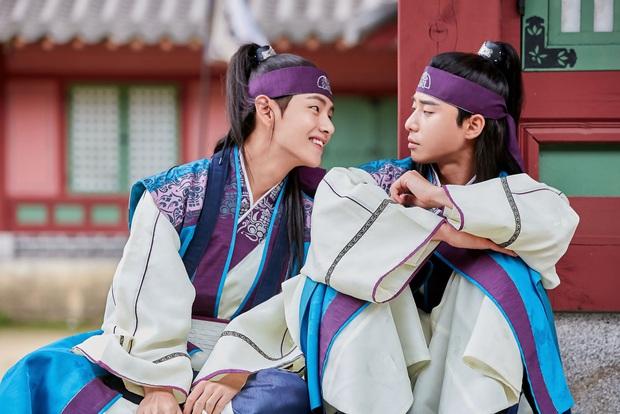4 ngôi trường trong mơ chỉ có trong phim Hàn: Chủ yếu là tràn bờ đê trai đẹp từ thầy cho đến học sinh! - Ảnh 15.