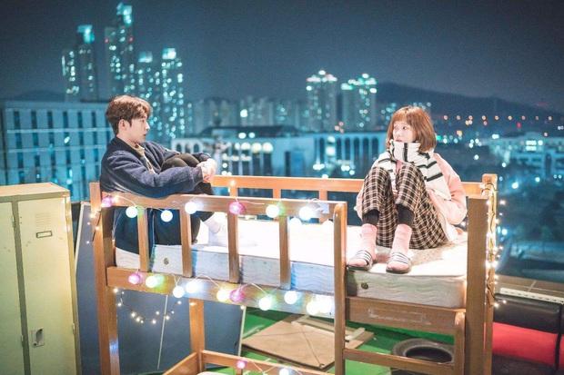 4 ngôi trường trong mơ chỉ có trong phim Hàn: Chủ yếu là tràn bờ đê trai đẹp từ thầy cho đến học sinh! - Ảnh 3.
