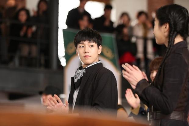 4 ngôi trường trong mơ chỉ có trong phim Hàn: Chủ yếu là tràn bờ đê trai đẹp từ thầy cho đến học sinh! - Ảnh 12.