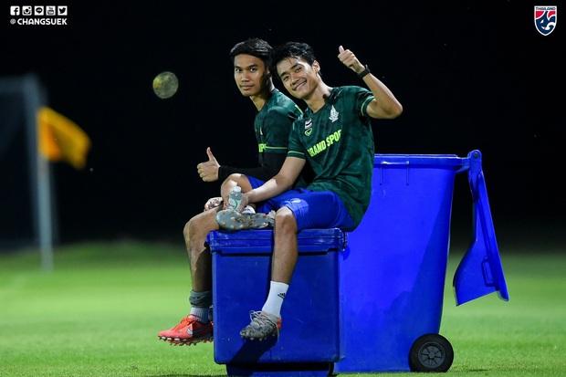 Chơi lớn cùng U22 Thái Lan, HLV Nishino chấp không gọi cầu thủ quá tuổi tham dự SEA Games 30 - Ảnh 1.