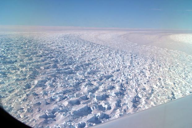 Thật không thể tin nổi, hoang mạc băng Nam Cực nhìn từ trên cao hùng vĩ như thế này đây! - Ảnh 2.