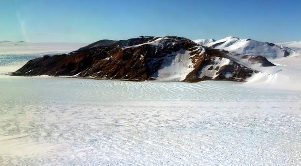 Thật không thể tin nổi, hoang mạc băng Nam Cực nhìn từ trên cao hùng vĩ như thế này đây! - Ảnh 5.