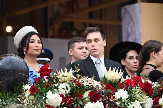 Nàng dâu hoàng gia gốc Việt lần đầu xuất hiện cùng gia đình nhà chồng Monaco: Ăn mặc gợi cảm nhưng có phần lạc lõng - Ảnh 7.