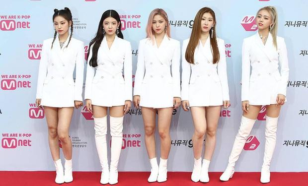 """Cục diện Kpop 2019: Lễ trao giải biến thành sân chơi BTS và những người bạn trong khi Big 3 lặn mất tăm, cán cân quyền lực không còn nghiêng về """"ông lớn""""? - Ảnh 23."""