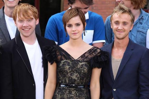 Tài tử Harry Porter tiết lộ tin gây bão: Emma Watson và Malfoy từng có tình cảm trên mức bạn bè, nhìn thôi là biết - Ảnh 1.