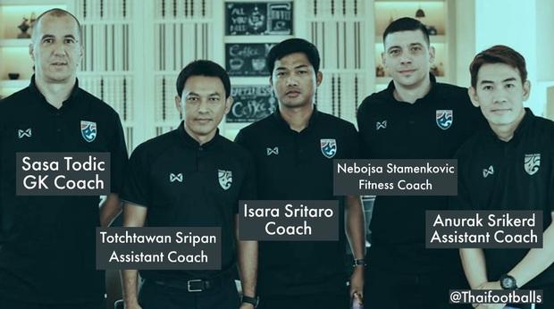 """Tìm ra profile trợ lý tuyển Thái """"gây sự"""" với HLV Park Hang-seo, hoá ra đã xích mích từ Bangkok và mang mối hiềm khích đến Hà Nội - Ảnh 6."""