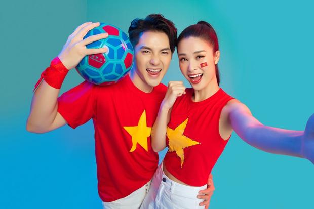 Vợ chồng son Đông Nhi - Ông Cao Thắng: Không chỉ âm nhạc, bóng đá cũng là tình yêu chung của cả hai! - Ảnh 2.