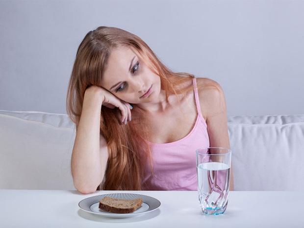 Nhịn ăn để tiền mua mỹ phẩm, cô gái trẻ không ngờ bản thân mắc bệnh ung thư dạ dày từ lúc nào chẳng hay - Ảnh 4.