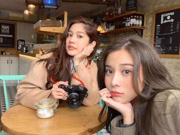 Chỉ để tóc tối màu rẽ ngôi đơn giản nhưng các hot girl Thái vẫn xinh lồng lộn, hóa ra là nhờ 4 bí kíp đơn giản - Ảnh 4.