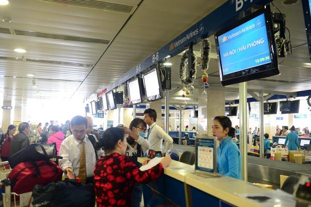 Các hãng hàng không Việt Nam cấm vận chuyển pin Lithium và thiết bị điện tử dùng pin Lithium trên tất cả chuyến bay - Ảnh 1.