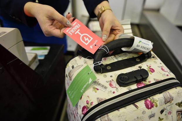 Các hãng hàng không Việt Nam cấm vận chuyển pin Lithium và thiết bị điện tử dùng pin Lithium trên tất cả chuyến bay - Ảnh 2.