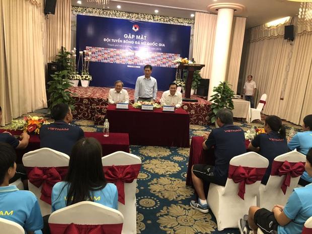 Chưa Tết đã được lì xì, ĐT nữ và U22 Việt Nam nhận được sự động viên cực lớn trước khi tham dự SEA Games 2019 - Ảnh 3.