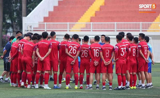 U22 Việt Nam rèn bài cực khó trước ngày lên đường chinh phục HCV SEA Games 30 - Ảnh 2.