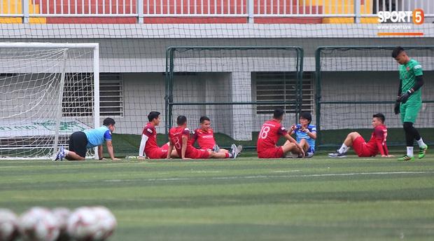 U22 Việt Nam rèn bài cực khó trước ngày lên đường chinh phục HCV SEA Games 30 - Ảnh 5.