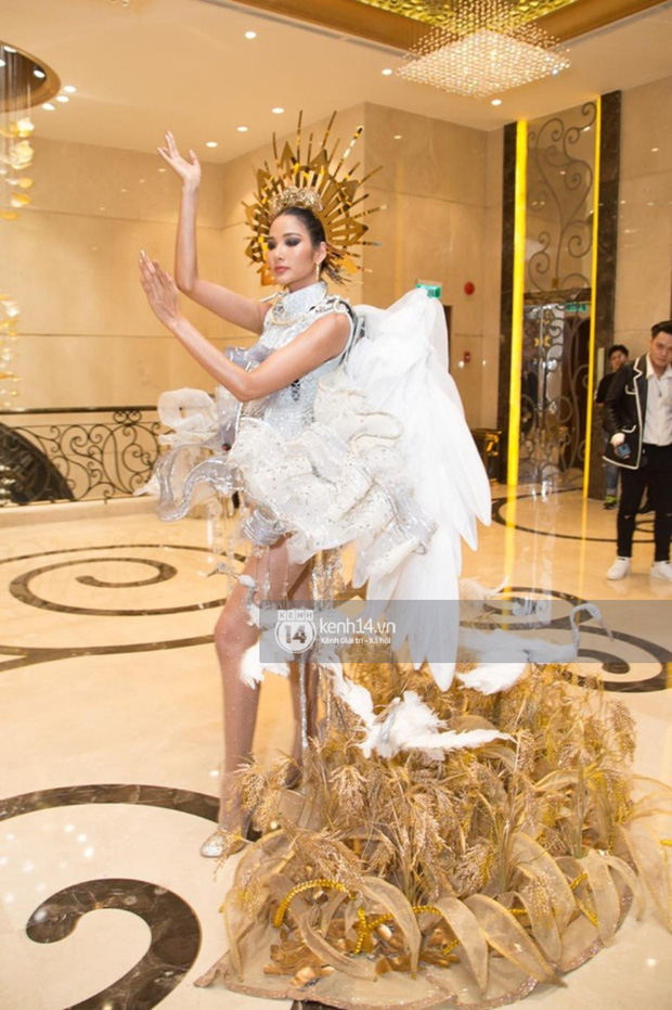 Chính thức: Hoàng Thùy chọn Cà Phê là Quốc phục mang đến Miss Universe 2019 dù từng bị netizen chê tơi tả! - Ảnh 9.