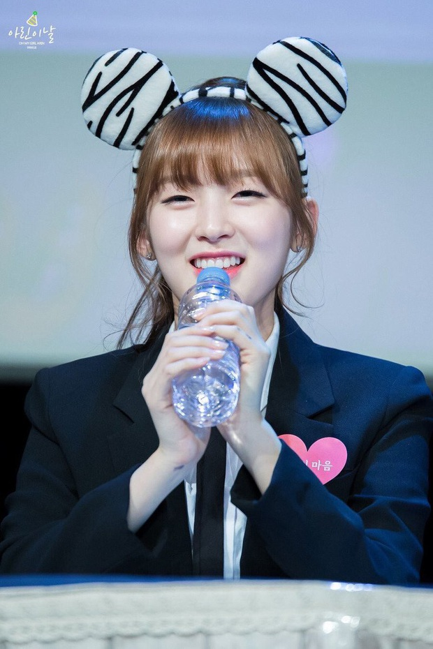 6 nữ idol Kpop thay đổi hẳn quan niệm vì gây bão mạng với mắt cười một mí đẹp lạ: TWICE, ITZY chưa hot bằng center? - Ảnh 12.