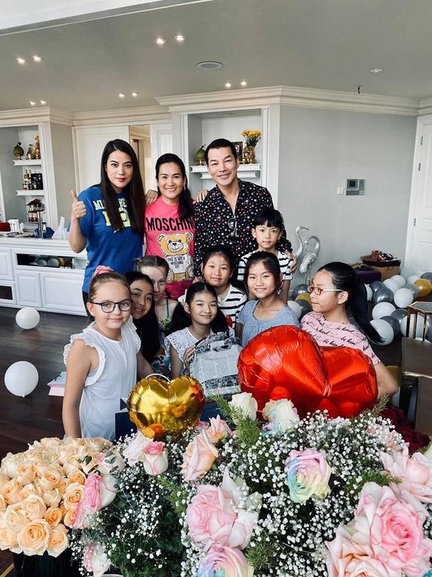 Con gái Trương Ngọc Ánh gây chú ý với đôi chân dài miên man cùng khuôn mặt xinh đẹp trong sinh nhật 11 tuổi - Ảnh 2.
