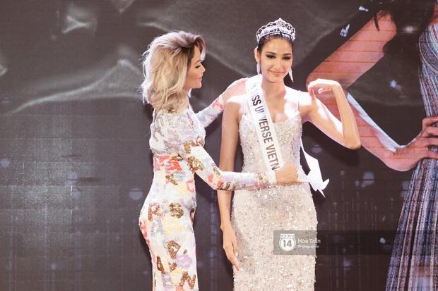 HHen Niê trao lại sash cho Hoàng Thùy - đại diện Việt Nam kỳ vọng sẽ về mang vương miện Miss Universe đầu tiên! - Ảnh 14.