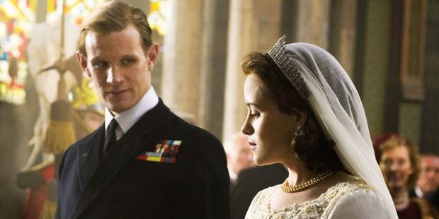 The Crown: Cung đấu chân thật, kịch tính về người phụ nữ quyền lực nhất Hoàng gia Anh - Ảnh 4.
