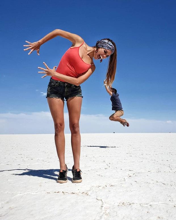 """Muốn ảnh hết """"nhạt"""" thì nên một lần đến """"sống ảo"""" ở cánh đồng muối siêu to khổng lồ này - Ảnh 6."""