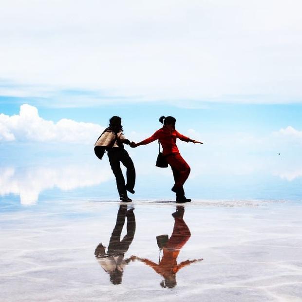 """Muốn ảnh hết """"nhạt"""" thì nên một lần đến """"sống ảo"""" ở cánh đồng muối siêu to khổng lồ này - Ảnh 4."""