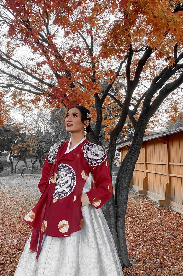 Giả gái xuất sắc đã đành, BB Trần bắt trend du lịch còn đỉnh hơn: Đến Hàn Quốc thời điểm hot nhất năm, chụp bừa cũng có 7749 ảnh đẹp - Ảnh 10.