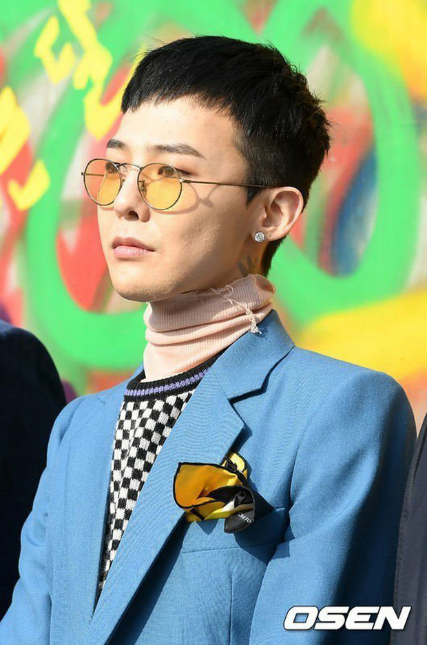 Chung tình như G-Dragon: Có cái áo cổ lọ cũng giữ mặc suốt từ năm 2016 đến giờ - Ảnh 3.