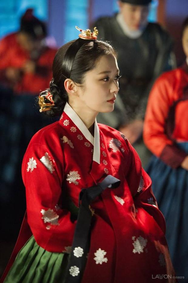 Tình trường màn ảnh của gái ế Jang Nara: Hoàng hậu bị tiểu tam cướp chồng gắt sao bằng hôn nhân vì tình một đêm - Ảnh 2.