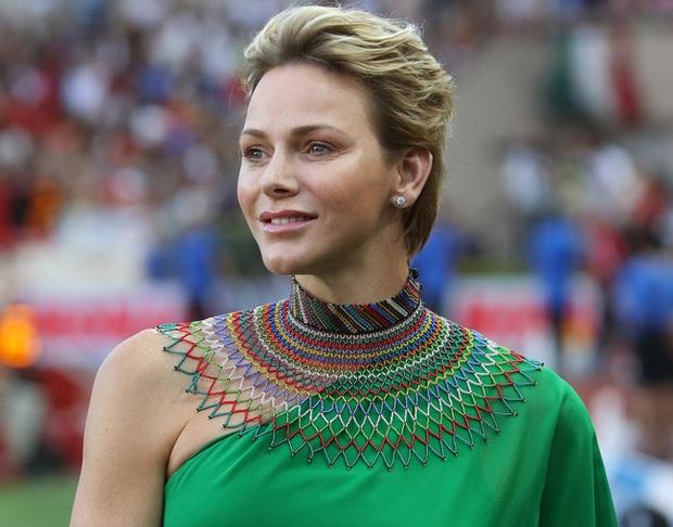 Nhân vật nổi bật nhất hoàng gia Monaco: Làm lu mờ nàng dâu gốc Việt trong sự kiện với vẻ ngoài hoàn hảo cùng khí chất khó ai bì kịp - Ảnh 6.