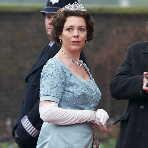 The Crown: Cung đấu chân thật, kịch tính về người phụ nữ quyền lực nhất Hoàng gia Anh - Ảnh 8.