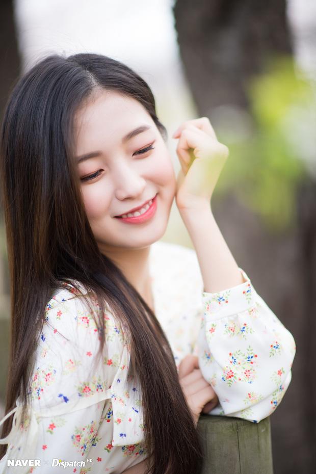 6 nữ idol Kpop thay đổi hẳn quan niệm vì gây bão mạng với mắt cười một mí đẹp lạ: TWICE, ITZY chưa hot bằng center? - Ảnh 13.