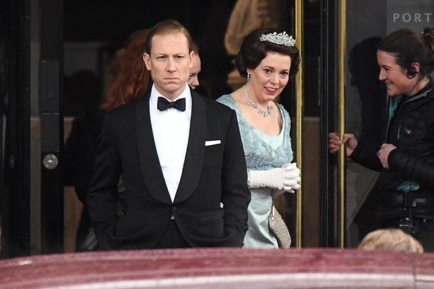 The Crown: Cung đấu chân thật, kịch tính về người phụ nữ quyền lực nhất Hoàng gia Anh - Ảnh 6.