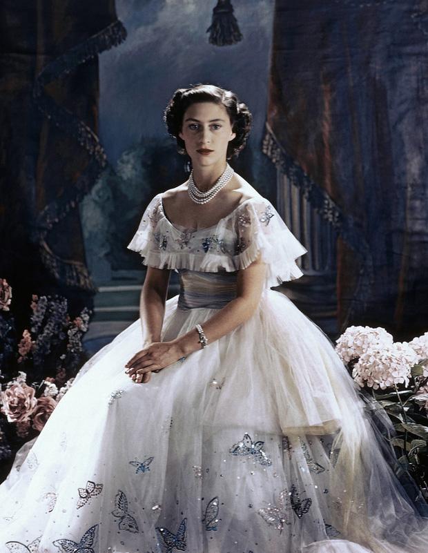 The Crown: Cung đấu chân thật, kịch tính về người phụ nữ quyền lực nhất Hoàng gia Anh - Ảnh 11.