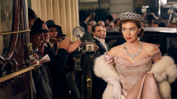 The Crown: Cung đấu chân thật, kịch tính về người phụ nữ quyền lực nhất Hoàng gia Anh - Ảnh 10.