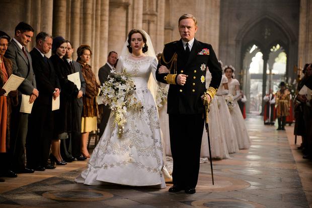 The Crown: Cung đấu chân thật, kịch tính về người phụ nữ quyền lực nhất Hoàng gia Anh - Ảnh 3.